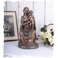 Soška Madona s Kristem
